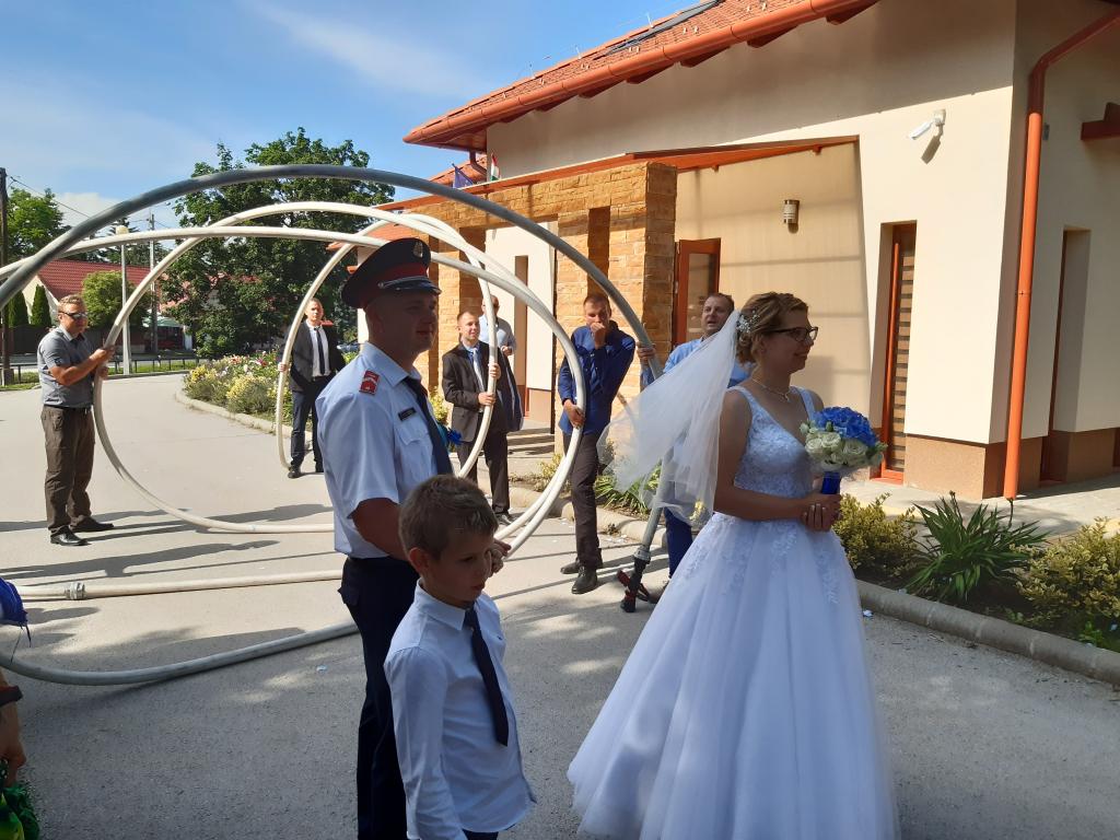 Tűzoltó esküvő Bélapátfalván